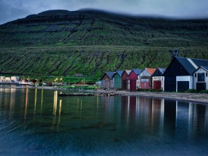 Lake_On_The_Faroe_Islands
