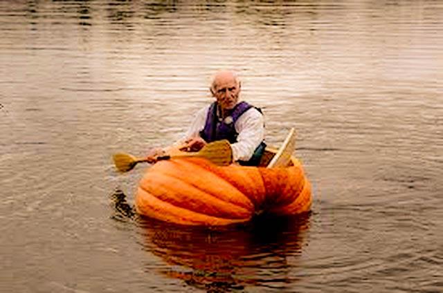 halloween-pumpkin-boat-paddle-fishing